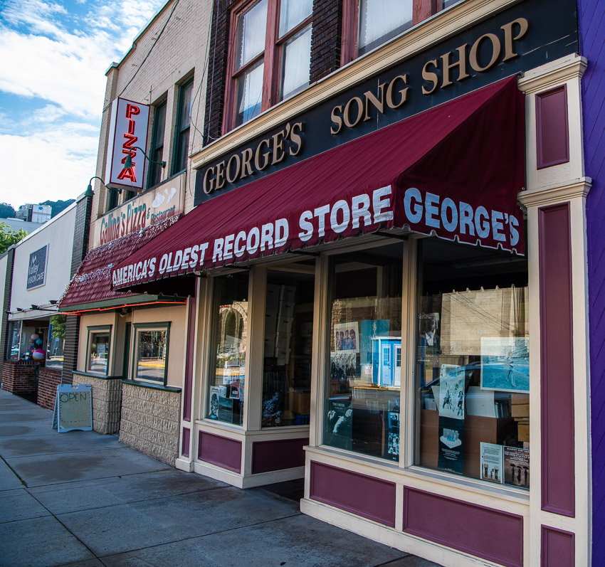 Georges Song Shop -0001